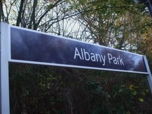 Albany_Park_stn_signage